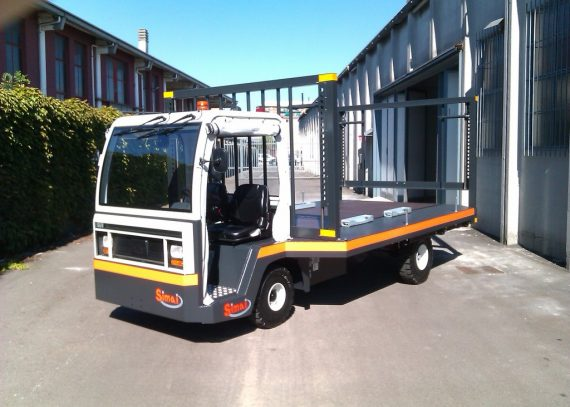 Batea especial SIMAI PE30A para el mantenimiento de los vagones y los ejes de las carrozas ferroviarias