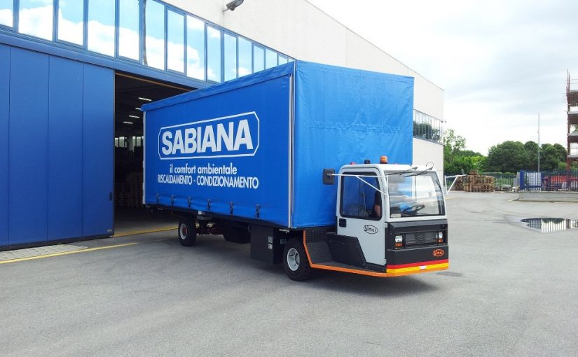 """Il nuovo trasportatore elettrico a pianale SIMAI PE 50 LL: la soluzione """"verde"""" per il trasporto di grandi volumi!"""
